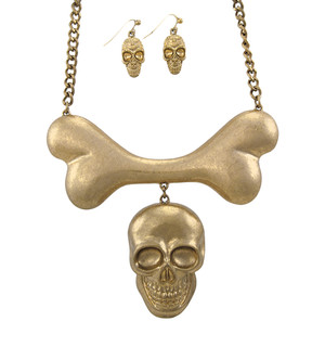 https://s3.amazonaws.com/zeckosimages/MS25-large-skull-bone-gold-necklace-earring-set-1H.jpg