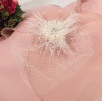 Veil With Feather Ivory