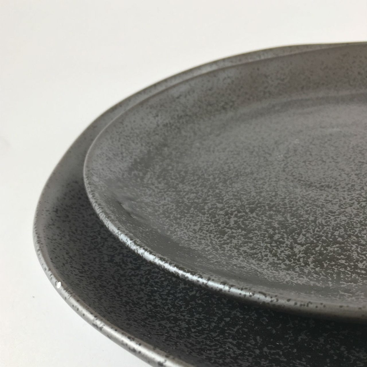 Robert Gordon - Dinner Plate 28cms (Black) Side Plate 21 cms (Black & Robert Gordon - Dinner Set (8 Piece) Black - Earth Collection