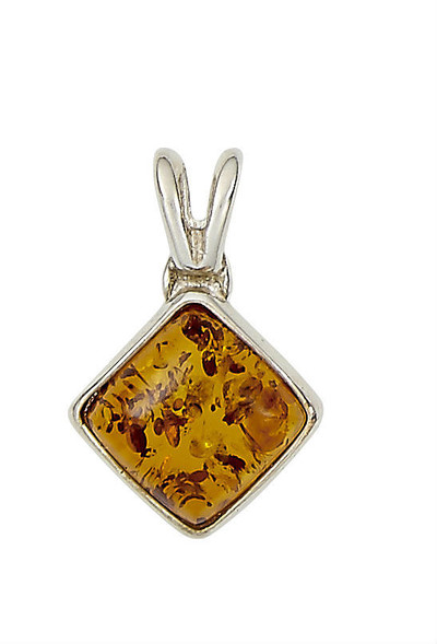 Diamond-Shaped Pendant in Honey Amber