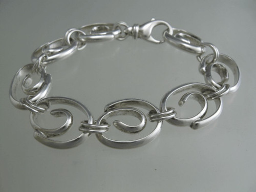 This link is made from heavy Half Round sterling silver stock