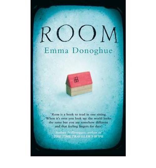 Donoghue, Emma / Room (Large Paperback)