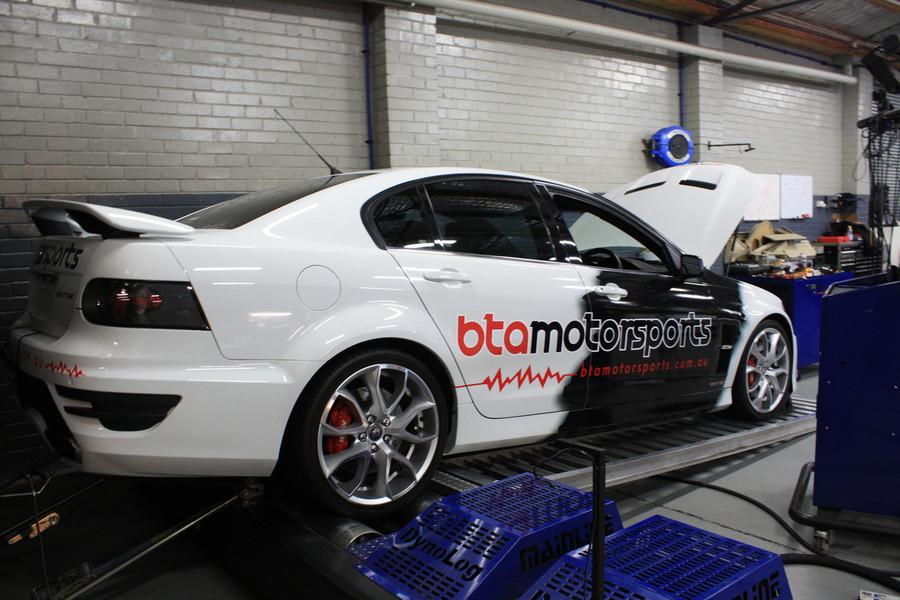 BTA Motorsports HSV Graphics