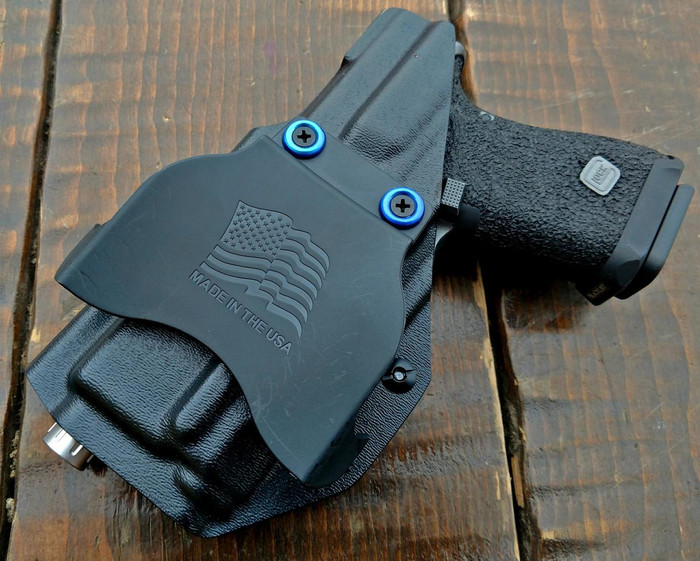 OUTSIDE WAISTBAND LIGHT BEARING HOLSTER (RIGHT HANDED)