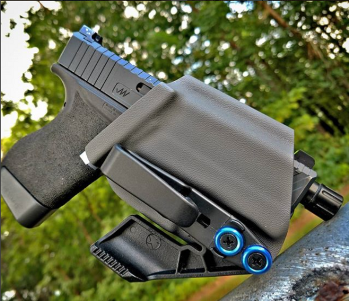 ZEUS HOLSTER (RIGHT HANDED)