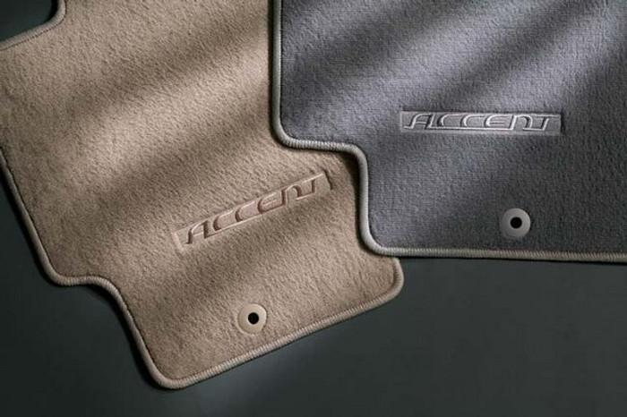 Hyundai Accent 3-Door Carpeted Floor Mats (A063)