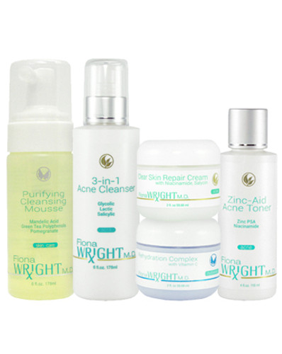 This convenient skincare system provides exfoliation and oil minimizing ingredients to thoroughly cleanse skin of dirt, and acne-causing bacteria. With no product build-up this fast absorbing system will help you maintain a clear, acne-free complexion.