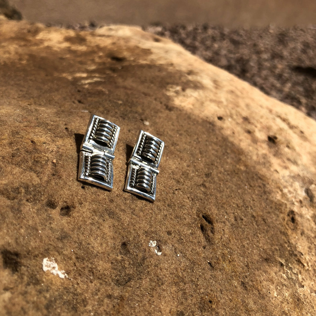 Chaco Canyon Thomas Charlie Hinge Earings