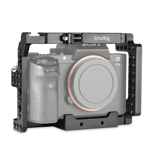https://d3d71ba2asa5oz.cloudfront.net/12031759/images/smallrig-sony-a7ii-a7rii-a7sii-ilce-7m2-ilce-7rm2-ilce-7sm2-cage-1660-4.jpg