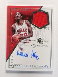 13-14 National Treasures Gear Robert Parish autograph auto jersey #D50/75 *46128