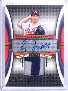 2004 Sp Game Used Numbers Greg Maddux autograph auto patch #D43/50 *68054