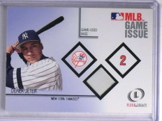 2001 Fleer Legacy MLB Game Issued Derek Jeter base  *68946