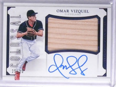 2016 Panini National Treasures Colossal Omar Vizquel Bat Autograph #D25/25 *6571