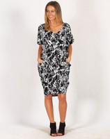 Freez Pocket Dress Black Splash