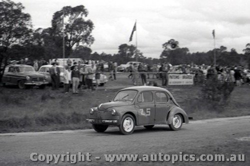 60901 - J. Connolly Renault - Templestowe Hill Climb 25th September 1960 - Photographer Peter D Abbs