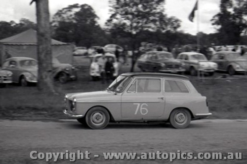 60907 - B. Shead  Austin A40 - Templestowe Hill Climb 25th September 1960 - Photographer Peter D Abbs