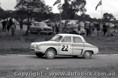 60919 - B. Sampson  Renault Dauphine - Templestowe Hill Climb 25th September 1960 - Photographer Peter D Abbs