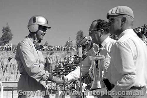 61530 - Jack Brabham  Cooper Climax - Hume Weir - 13th March 1961 - Photographer Peter D Abbs