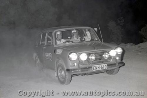 67806 - Morris 1100 - Southern Cross Rally 1967 - Photographer Lance J Ruting
