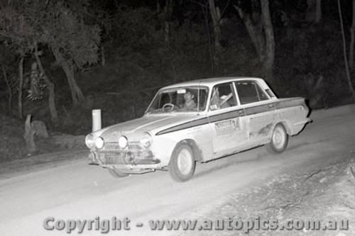 67822 - Ian Roberts  Ford Cortina - Southern Cross Rally 1967 - Photographer Lance J Ruting
