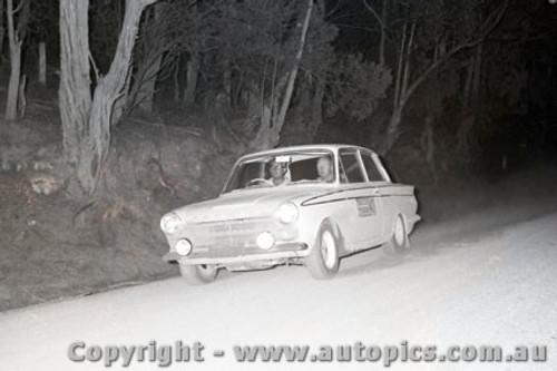 67824 - Ford Cortina - Southern Cross Rally 1967 - Photographer Lance J Ruting