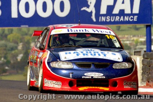 99720 - D. McDougall & A. Miedecke  - Holden Commodore VT -  Bathurst FAI 1000 1999 - Photographer Craig Clifford