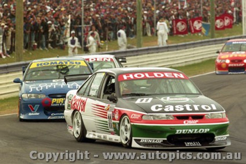 97733 - L.Perkins / R. Ingall  Holden  Commodore VS -1st Outright - Bathurst 1997 - Photographer Ray Simpson