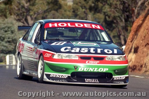 97743 - L. PERKINS / R. INGALL - Commodore VS - Bathurst 1997 - Photographer Ray Simpson