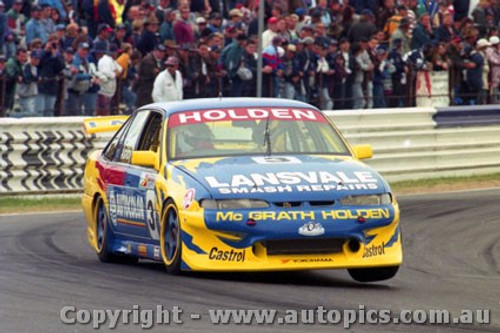 97752 - T. ASHBY / S. REED  - Commodore VS - Bathurst 1997 - Photographer Ray Simpson