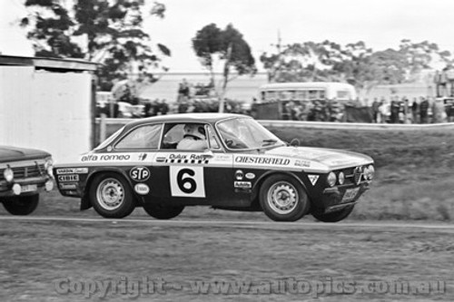 71250 - David McKay / Graham Watson, Alfa Romeo GTV,  - Dulux Rally - Calder 15th August 1971 - Photographer Peter D'Abbs