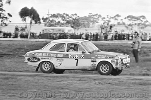 71251 - Bob Inglis / Malcolm Fearns, Ford Escort - Dulux Rally - Calder 15th August 1971 - Photographer Peter D'Abbs