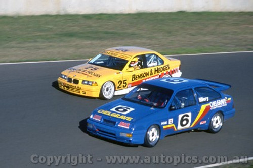94043 - Ellery & Longhurst, Ford Sierra - Eastern Creek 1994 - Photographer Marshall Cass