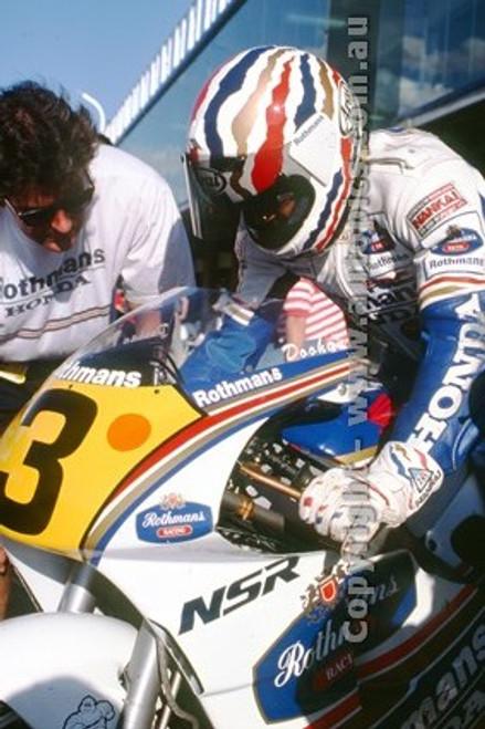 91303 - Mick Doohan, Honda - 500cc Australian Gran Prix  Eastern Creek 1991 - Photographer Ray Simpson