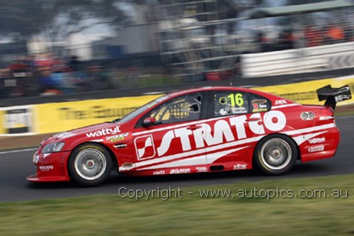 11710 - D. Reynolds / T. Blanchard -  Holden Commodore VE -  2011 Bathurst 1000  - Photographer Craig Clifford