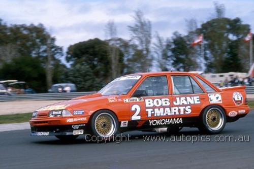 87037  -  Win Percy / Allan Grice  -  Commodore VL  -  Bathurst 1987  - Photographer Ray Simpson