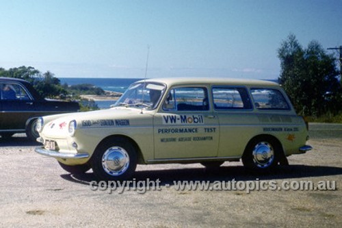 64970 - Volkswagen Mobil Performance Test 1964 - Melbourne to Adelaide to Rockhampton - VW 1500 Station Waggon - Photographer Peter D'Abbs