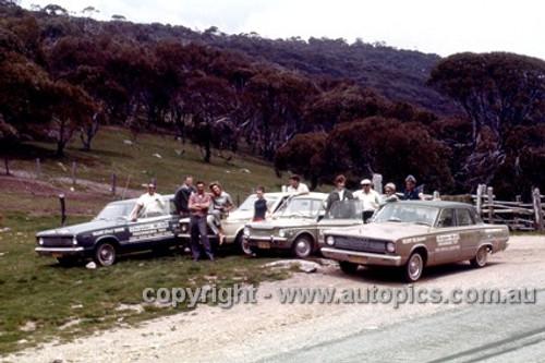66923 - Chrysler Mobil Performance Test October 1966 - Sydney to Brocken Hill to Adelaide to Sydney - Valiant Sedan, Regal Safari, V8 Sedan & Imp - Photographer Peter D'Abbs
