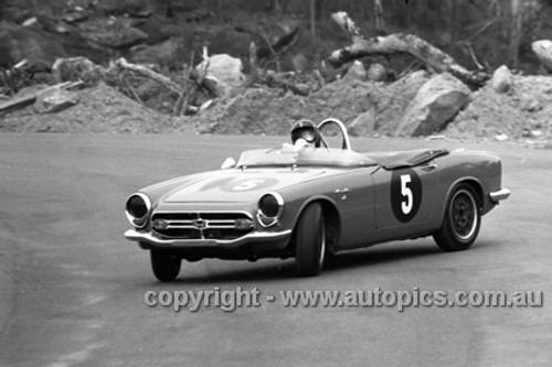 67400 - Noel Riley, Honda S800 - Amaroo 22nd October 1967 - Photographer David Blanch