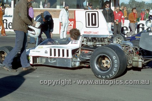 74656 - Warwick Brown, Lola T332 - Oran Park 4th August 1974 -  Photographer Jeff Nield