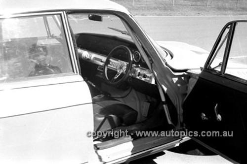 71277 - Jim Smith's Rover V8 - Warick Farm 1971 - Photographer Lance Ruting