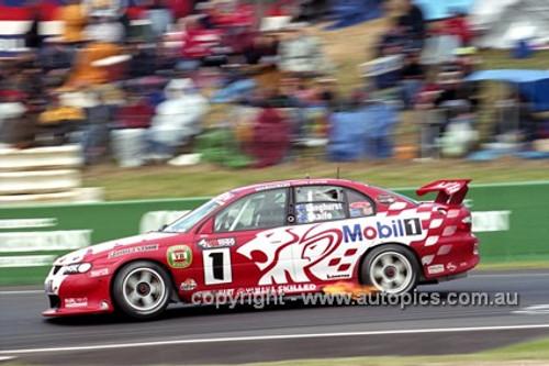 201721 - Mark Skaife / Tony Longhurst - Holden VX Commodore - 1st Outright Bathurst 2001 - Photographer Marshall Cass