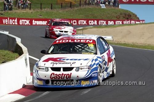 201725 - T. Kelly & G. Murphy, Holden Commodore VX - 3rd Outright Bathurst 2001 - Photographer  Marshall Cass