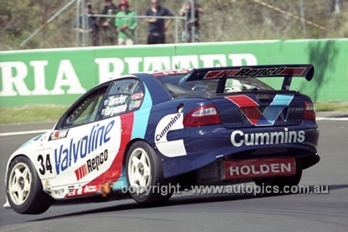 201727 - G. Tander & J. Bargwanna, Holden Commodore VX - Bathurst 2001 - Photographer  Marshall Cass