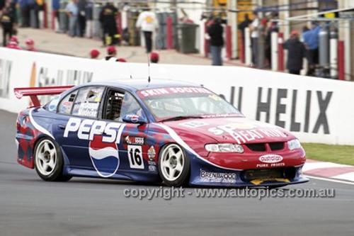 201738 - D. McDougal & A. Miedecke, Holden Commodore VX - Bathurst 2001 - Photographer  Marshall Cass