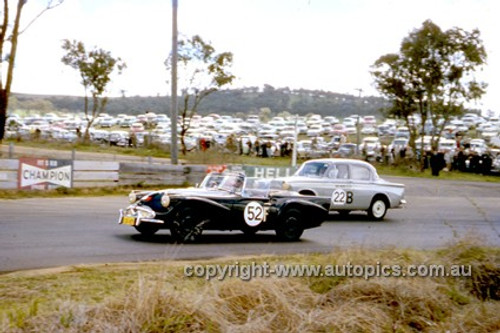620002 - Leo & Ian (Pete) Geoghegan, Daimler SP250 & Peter Wherrett & F. Davidson, Hillman Minx - Bathurst Six Hour Classic - 30th September 1962 - Photographer Bruce Wells.