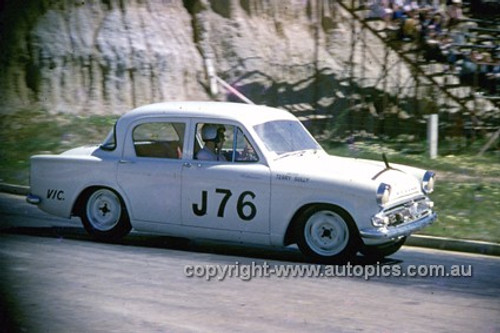 620015 -  Terry Sully, Hillman - Hume Weir 23rd September 1962 - Photographer Bruce Wells.