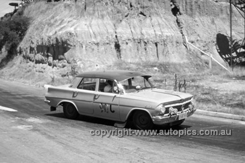 620026 -  Holden EJ - Hume Weir 26th December 1962 - Photographer Bruce Wells.