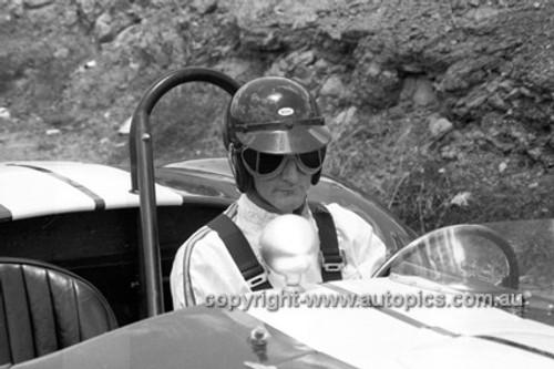 650465 - Ken Miles, Shelby 427 Cobra - Australian Tourist Trophy Race, Lakeside 1965 - Photographer Bruce Wells