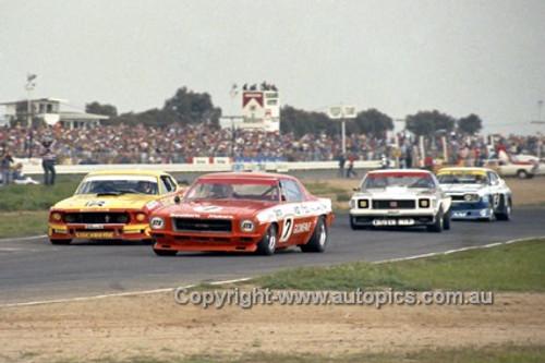 75060 - B. Jane Monaro / J. Richards Mustang / I. Geoghegan Monaro / A. Miffat Capri - Calder 1975 - Photographer Darren House