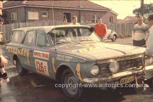 64980 - 1964 Ampol Trial - Russ Hammond, Valiant - Photographer Ian Thorn